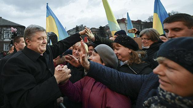 Каток Порошенко: Президент тихо, но уверенно мобилизует избирателей