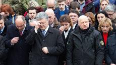«Вот настоящий лидер нации»: Почему Порошенко пришел за поддержкой к баптистам Турчинова