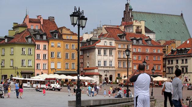 Зеленский прибыл в Польшу и общается с президентом Дудой наедине