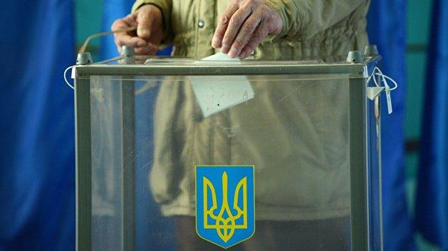 Есть ли жизнь после местных выборов? Украина отвечает по-своему