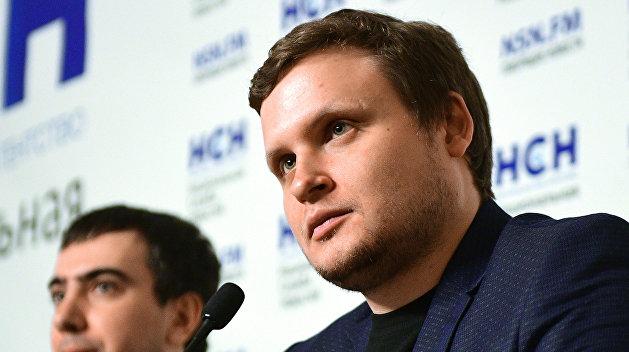 Пранкеры от имени Зеленского согласовали с Макроном экстрадицию Порошенко