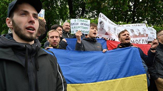 Послесловие ко Дню Победы. На Украине Зеленскому сделали предложение, от которого он не сможет отказаться