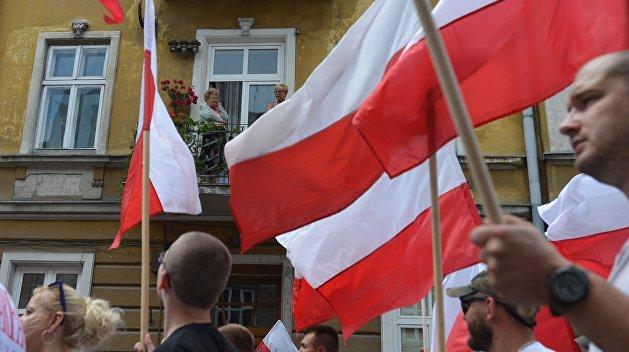 Польские националисты разобрали памятник УПА