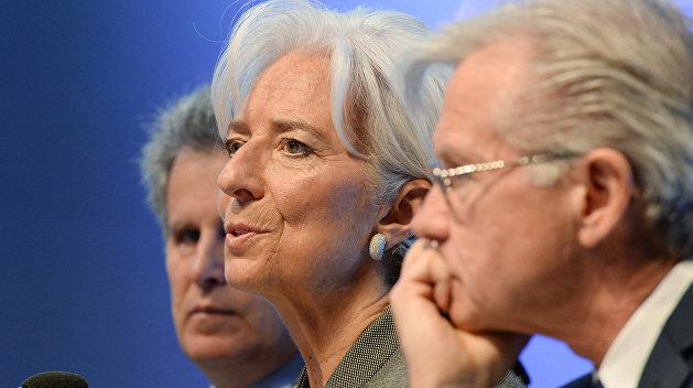 МВФ обеспокоен актами вандализма в отношении российских банков на Украине
