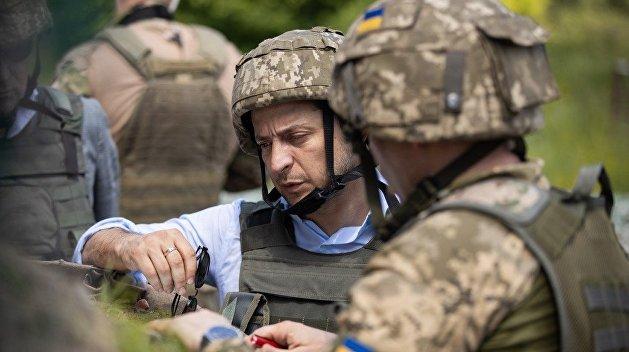 Зеленский присвоил погибшему в Донбассе солдату звание героя Украины