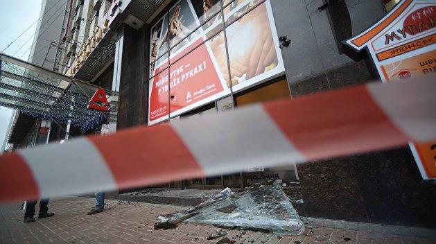 Суд отпустил организатора погромов российских банков