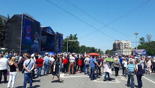 Хроника молдавской революции: сейчас в стране официально установилось двоевластие