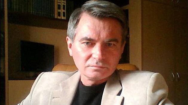 Зеленский должен посадить Порошенко, если хочет остаться у власти – Головачев