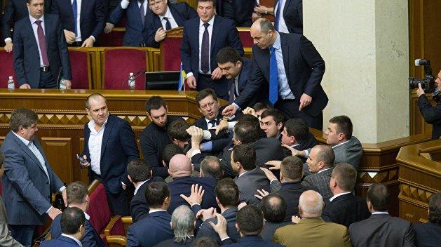 Русский язык спровоцировал драку в Верховной Раде