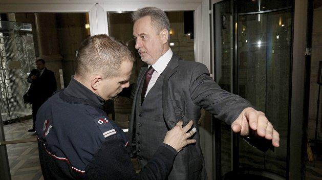 Фирташ – второй Лазаренко, а его арест – шанс очиститься. Соцсети об экстрадиции украинского олигарха в США