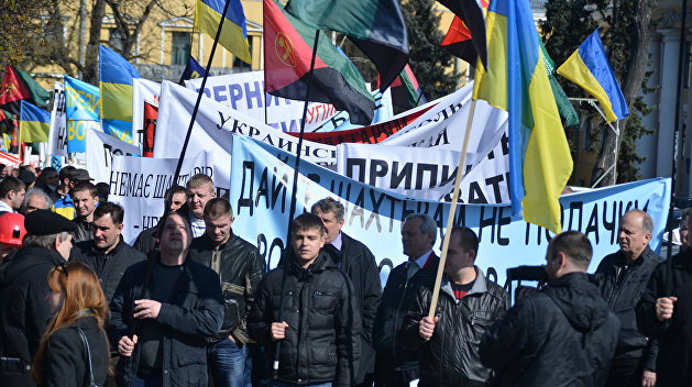 Госстат: Долги по зарплатам на Украине стабильно растут, определились регионы - лидеры