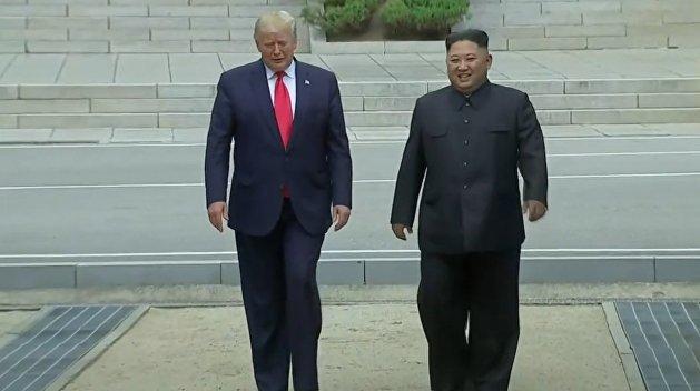 Трамп и Ким Чен Ын встретились на границе двух Корей