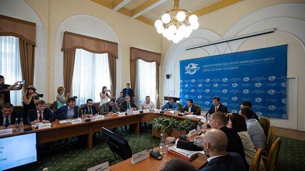 «Вы считаете, что я идиот?»: Зеленский в Одессе лично потребовал от главы ГФС подать в отставку