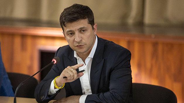Зеленский обвинил Россию в торможении развития Украины