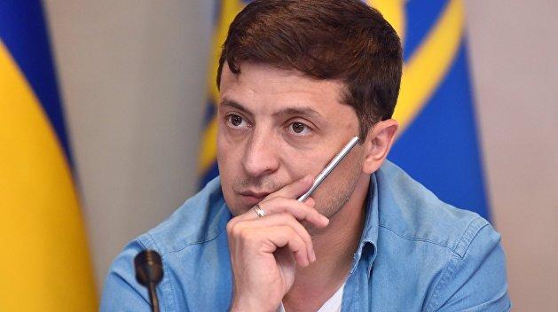 Зеленский заявил, что подписал закон об импичменте президента