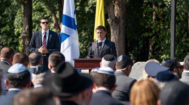 Не особенно они на вас похожи: Зеленский в праздничной речи сравнил Крым и Донбасс с детьми