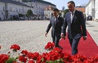 Конфетно-букетный период: как встречают Зеленского в Варшаве