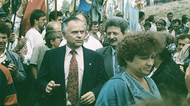 Юбилей Руха. От массового движения в поддержку КПСС, до карликовой националистической группы