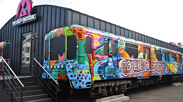 «Metro hostel». В Киеве предлагают заселяться в вагоны метрополитена