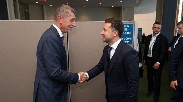 Зеленский пригласил премьер-министра Чехии посетить Украину