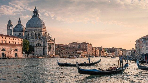 Веселая расчлененка. Как языком высокого искусства нанести удар по карманникам Венеции