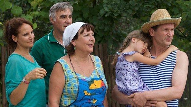 «Надеюсь и молюсь»: Добронравов рассказал о будущем сериала «Сваты»