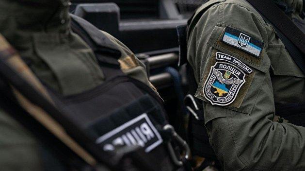 Спецназ и штурм: вооруженную группу из 15 человек задержали в одном из жилых домов Киева