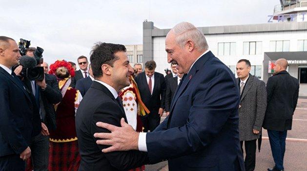 Лукашенко поздравил Зеленского и Кучму с Днем независимости Украины