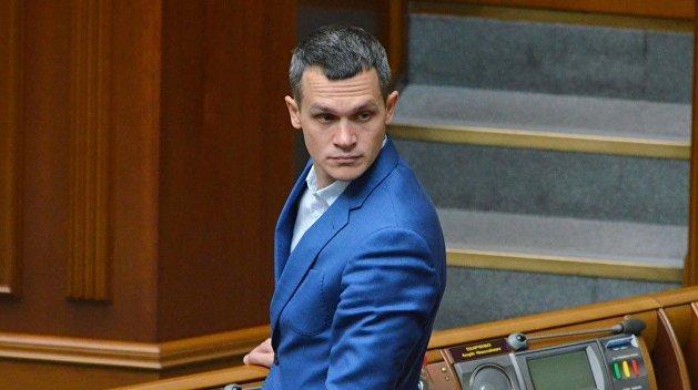 Взятка в $100 тыс. Депутат Зеленского рассказал, кого арестовали в Харьковской области