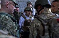 «Я президент, я не лох какой-то»: Зеленский поссорился с националистами в Донбассе - видео