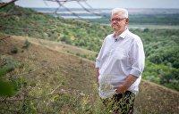 Сергей Сивохо с другими жителями Донбасса посадил деревья в Карпатах