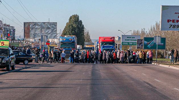 «Филатов, приезжай!»: в Днепре остановилось движение из-за митингующих