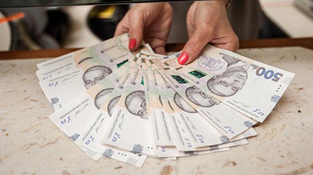 Зеленский обещает увеличить минимальную зарплату на Украине