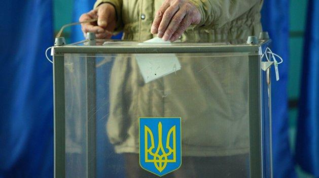 Врач, металлург и педагог: Мажоритарщики от «Слуги народа» в Луганской области