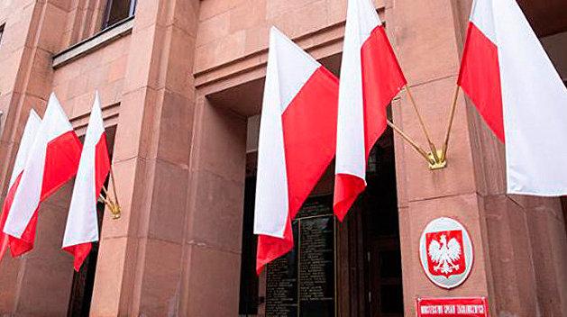 МИД Польши рассказал о внутренней психологической игре Лукашенко
