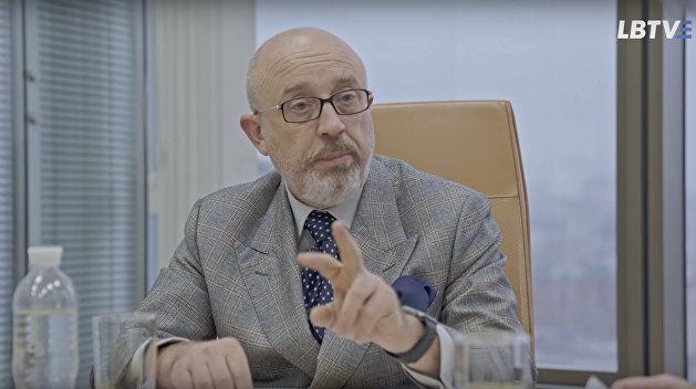 Меркель и Макрон готовы просить Путина о «нормандской встрече» - Резников
