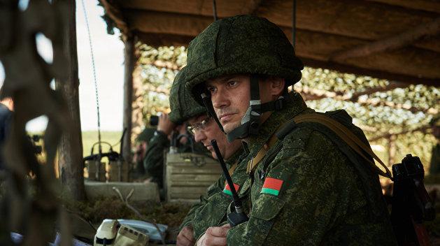 На западе Белоруссии военные вступили в бой с условными диверсантами