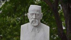Посмертная маска таджикского писателя Садриддина Айни пополнила коллекцию киевского музея