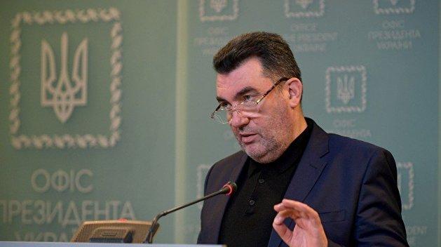 «Владею латынью»: Данилов дал комментарий о вакцинации детей на Украине