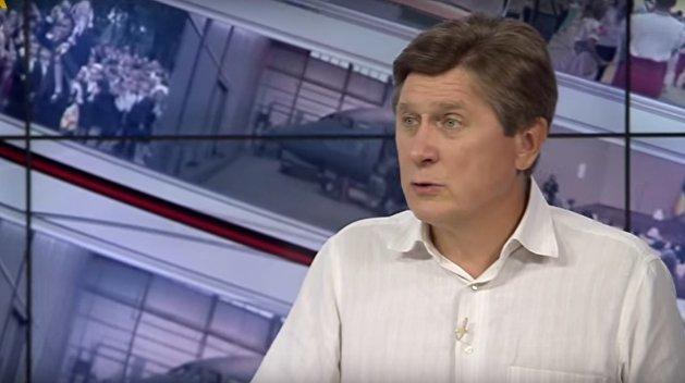 Киеву необходимо снизить напряженность в отношениях с Москвой - политолог Фесенко