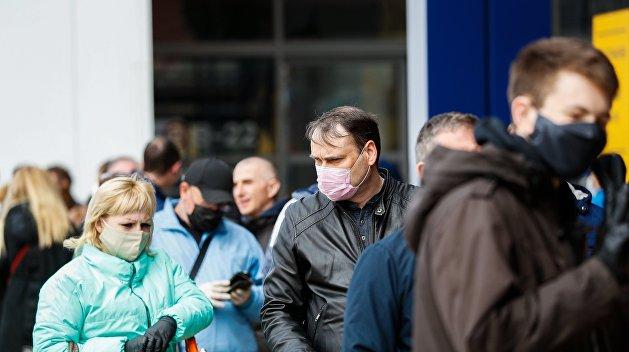 На Украине расширили перечень лиц, которым нужно проходить самоизоляцию