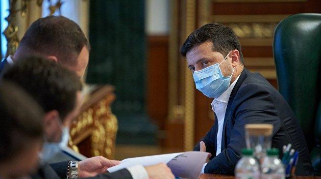 Зеленский возглавил штаб по борьбе с биологическими угрозами