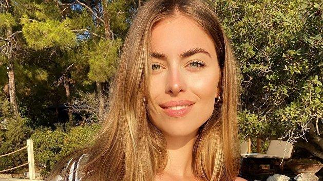 Внучка Ротару похвасталась дорогущей маской от украинского дизайнера