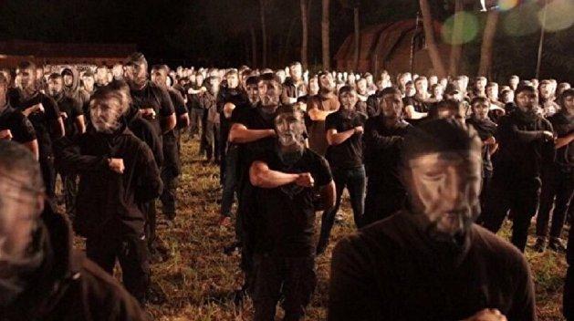 «Только для арийцев». Неонацисты берут под контроль украинскую армию