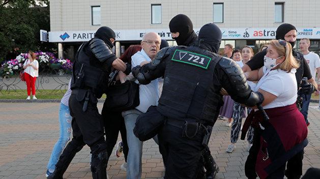 В белорусском Бресте украинец не вернулся домой с работы: его задержали на протестах