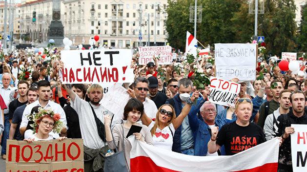 Протесты в Белоруссии развиваются по сценарию «цветных революций» - Лукашенко