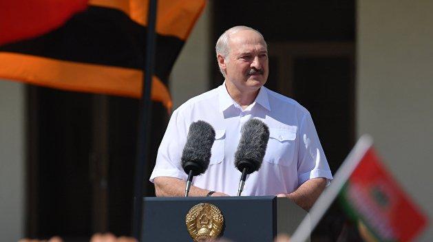 Правовую легитимность Лукашенко пока не утратил, но поддержку народа потерял — Затулин
