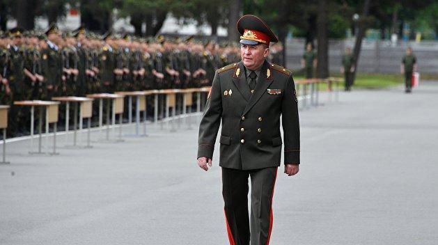 Будете иметь дело с армией. Министр обороны Белоруссии сделал предостережение протестующим