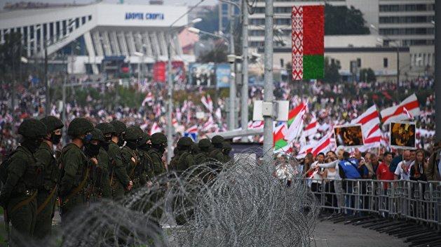 Белорусские протесты легко смывает обычным дождем - эксперт