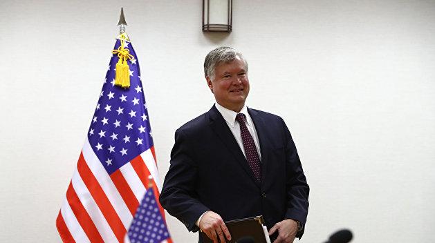 Представитель Госдепа США Стивен Биган прилетел в Киев